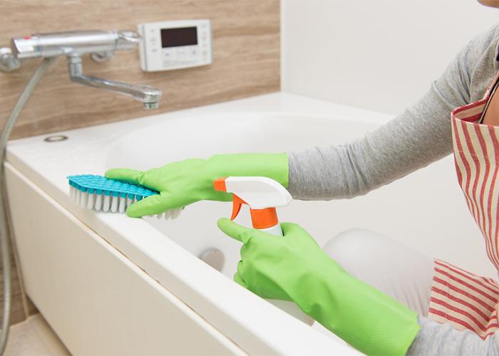 浴槽掃除には2つのやり方がある! 湯垢と水垢の落とし方